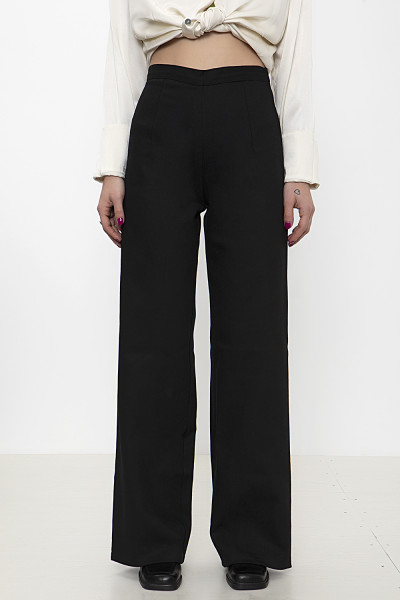Black wide-leg denim pants